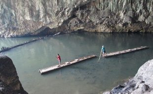 Les grottes de Tham Lod (Thaïlande)