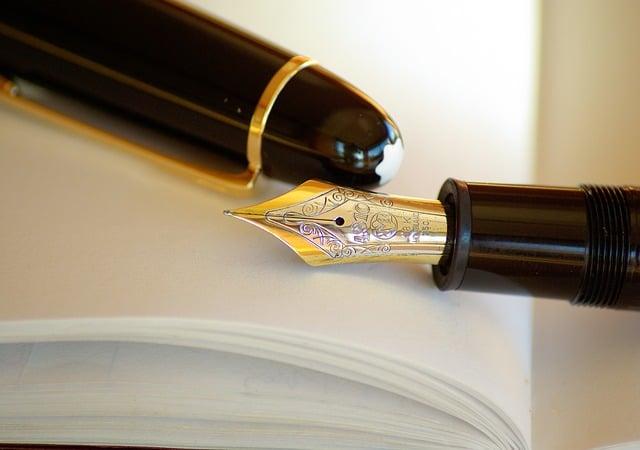 Reconnaître les qualités d'un bon biographe : ses 10 commandements.