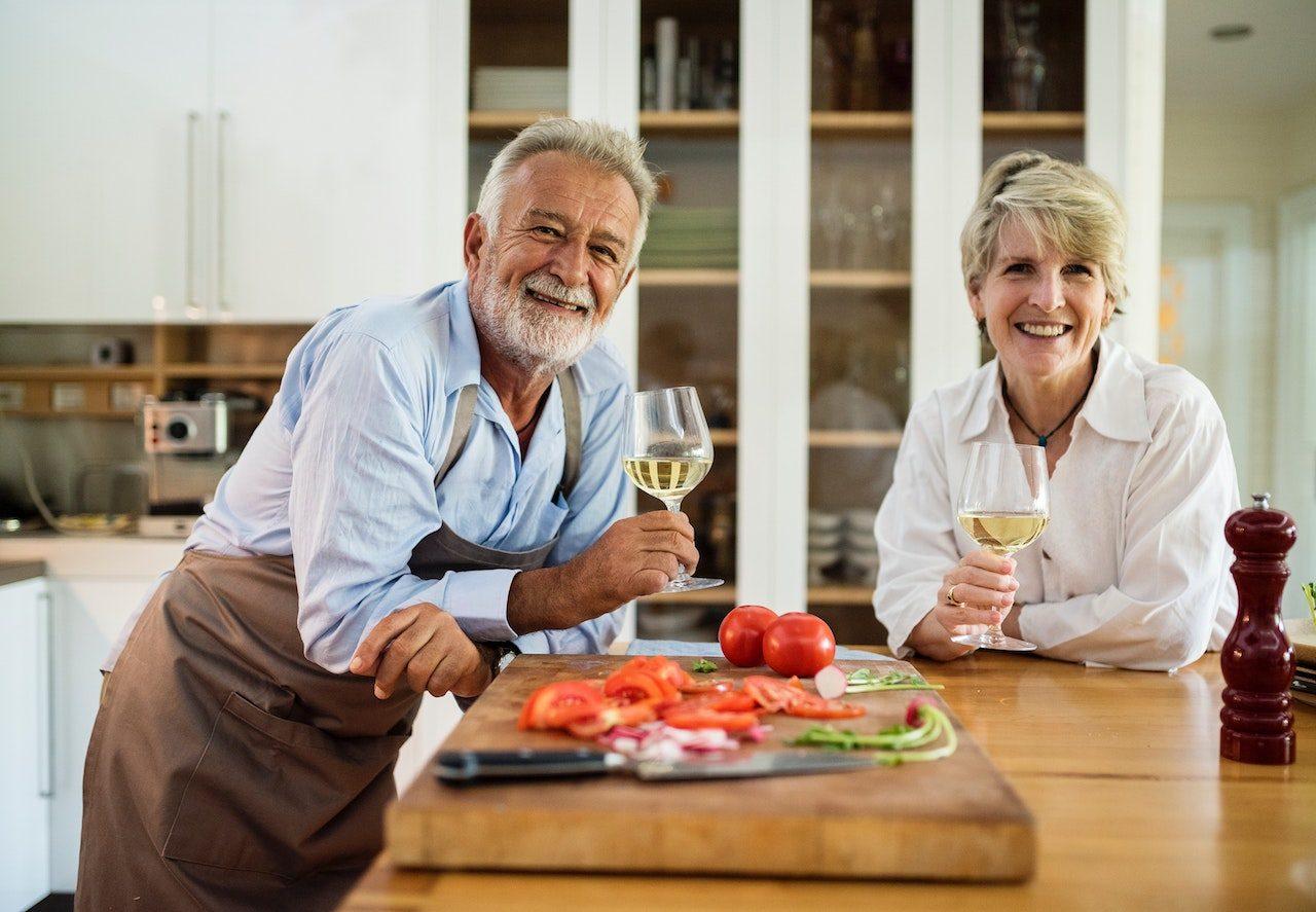 homme et femme seniors