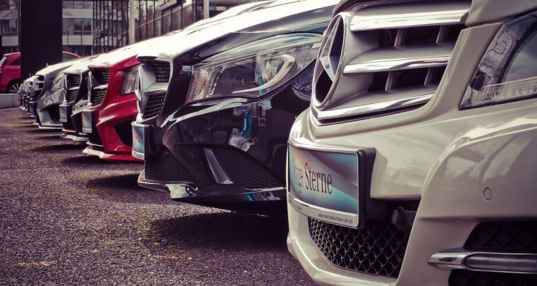 voitures location source pexels