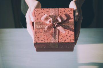 3 idées cadeaux originales pour vos grands-parents
