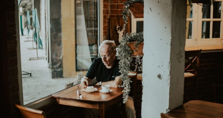 cafe senior